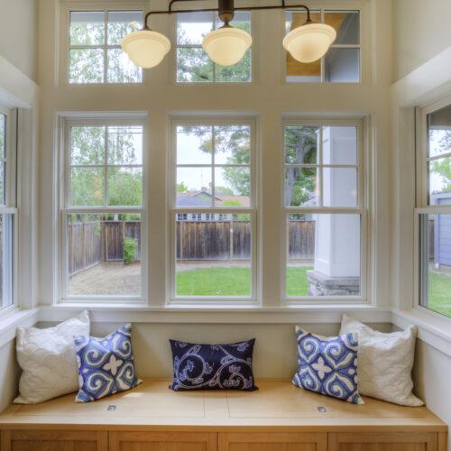 finestre-bianche-o-color-legno